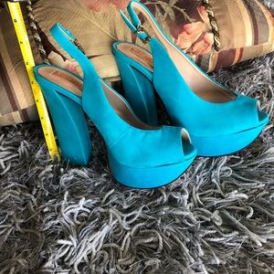 Schultz women,s blue pump soft leather♥️
